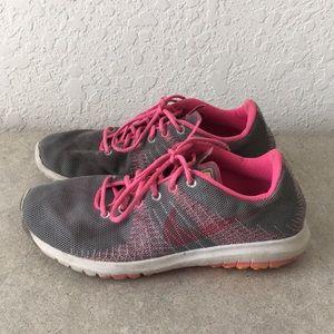 Girls Nike Flex Fury Running shoes size 4Y